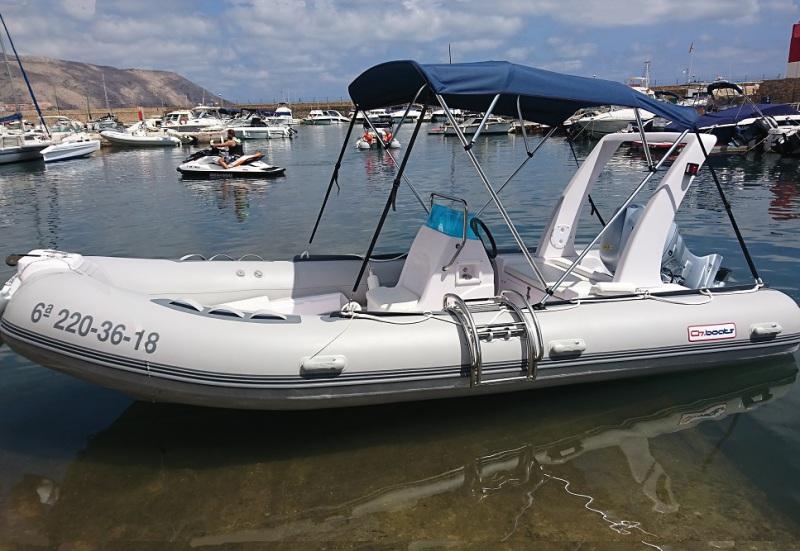 Alquiler barco RIB 520 en Moraira, alquila embarcacion para excursion