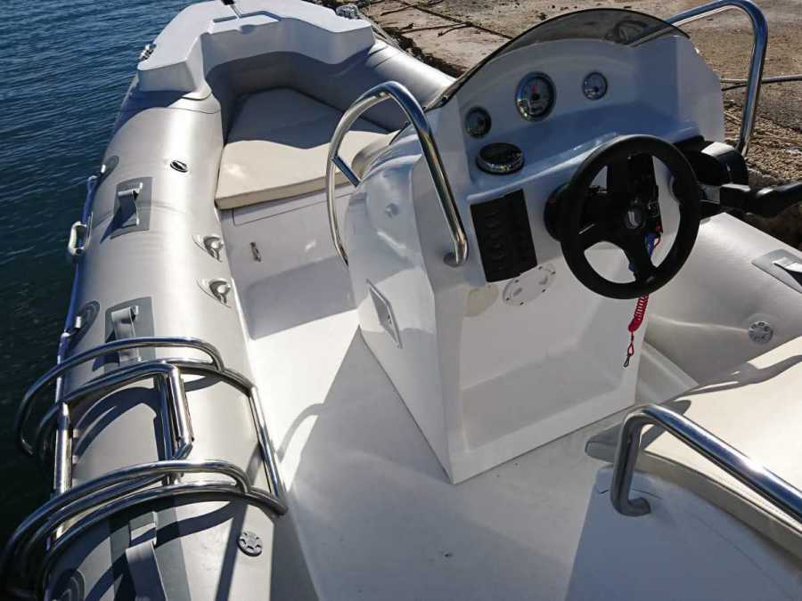 Honda 100hp inflatable boat. Excursion on a licensed boat through the Serra Gelada Natural Park, up to 8 passengers, Calpe, Benidorm, Altea, Moraira, Campomanes, Denia, Javea, Albir, Villajoyosa