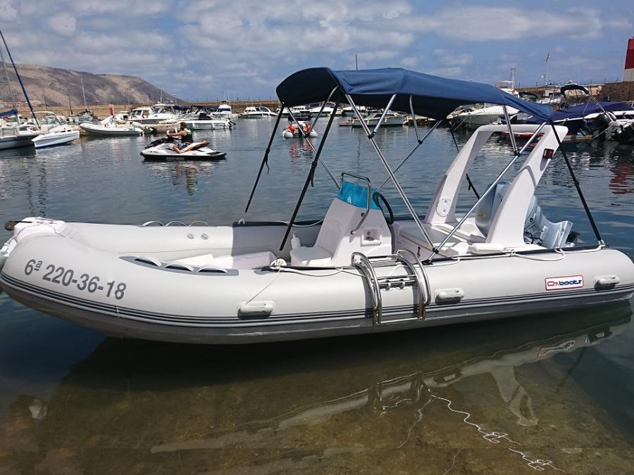 RIB 520 inflatable boat rental. 500 hp and 7 passengers, sail in a rental boat in Altea, Calpe, Benidorm, Moraira, Campomanes, Denia, Javea, Villajoyosa, Albir